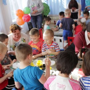 Волонтеры в детском доме май 2019 (4)